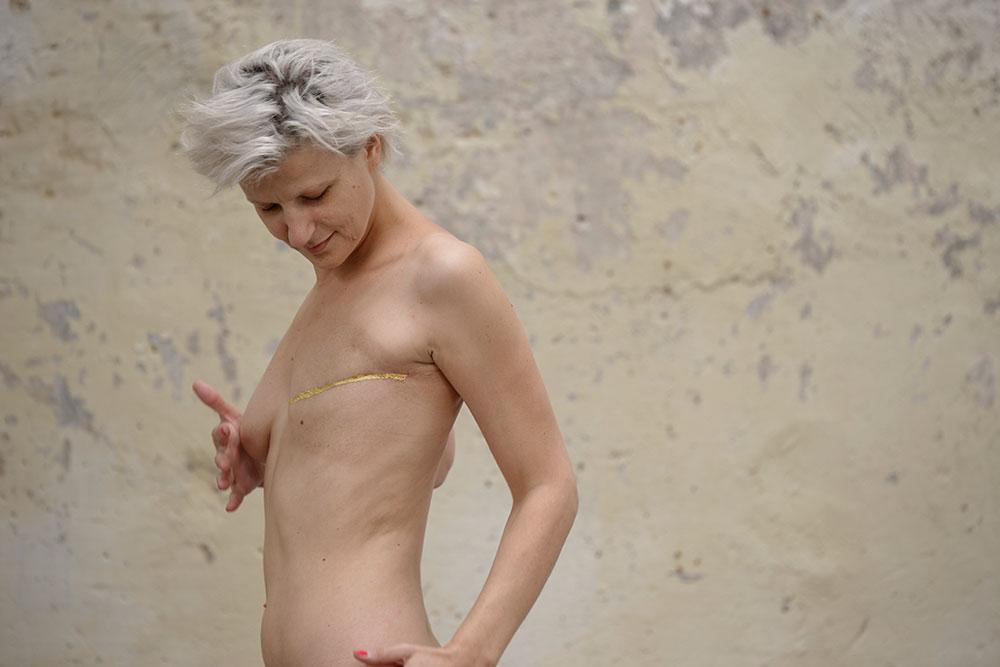 Hélène Gugenheim, Mes cicatrices Je suis d'elles, entièrement tissé. Marie Albatrice, 13 mai 2015. Photo : Aurélien Mole