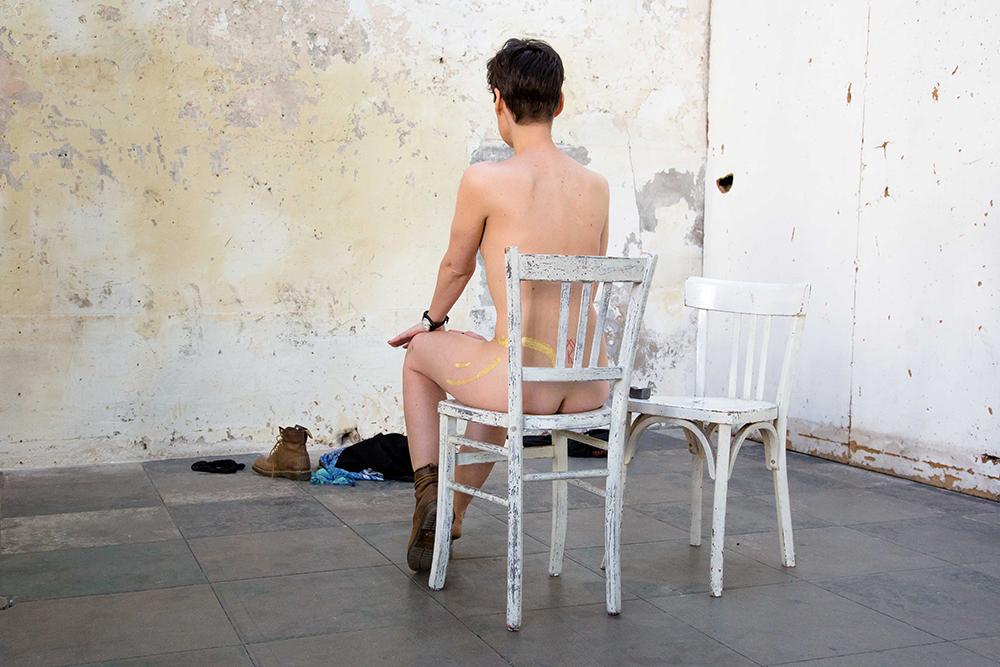 Hélène Gugenheim, Mes cicatrices Je suis d'elles, entièrement tissé. Clémentine, 5 mai 2016. Photo : Florent Mulot