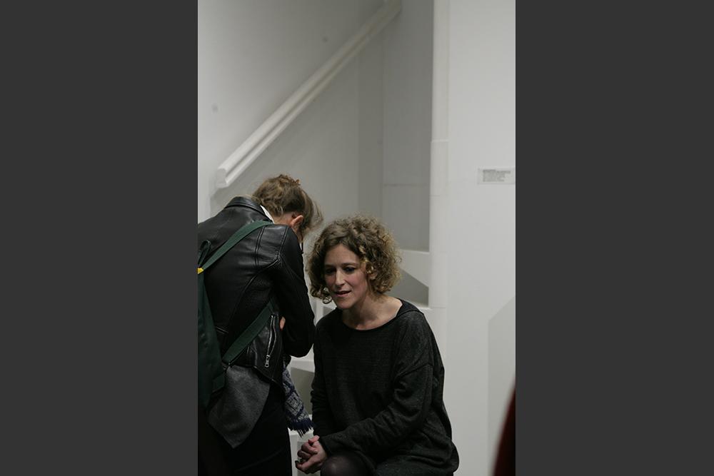Hélène Gugenheim, Mes cicatrices Je suis d'elles, entièrement tissé-e. Performance en (et sur le) public, à l