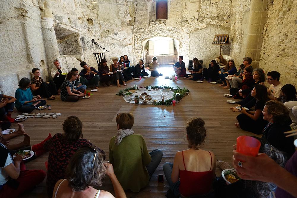 Les nourritures terrestres, Marie Guégan, 28 septembre 2019, chapelle des Cordeliers. Crédit : Et de nos bouches sortent des diamants, des crapauds et des rires